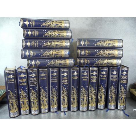 Jean de Bonnot Jules Verne Les Voyages extraordinaires 20 volumes superbe collector 1976