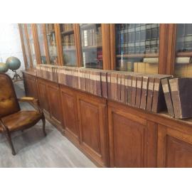 Voltaire Œuvres complètes Lequien 1820 - 1826 en 70 volumes . Brochage du temps impression de Didot édition de référence. Kiel