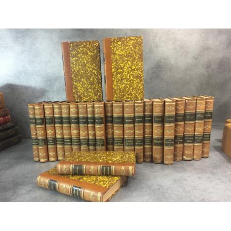 Balzac Honoré de Ensemble en reliure uniforme de 24 volumes éditions diverses de 1857 a Fin XIXe Grandet Chagrin